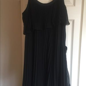 A beautiful black knee dress from Black/White